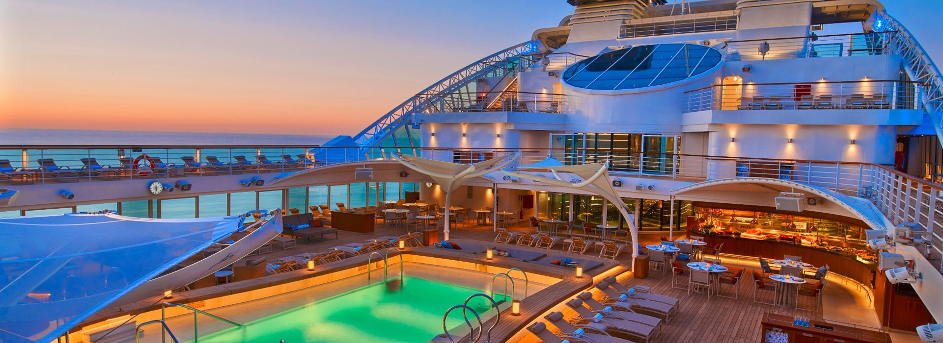 Seabourn_Encore_PoolDeckAtNight