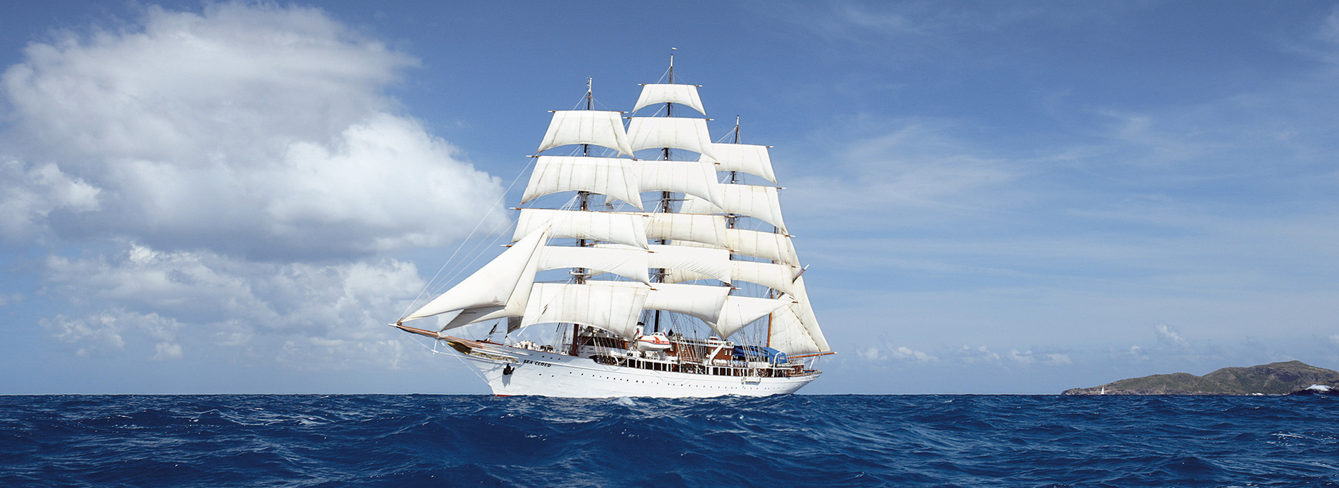 Sea Cloud mit vollen Segeln