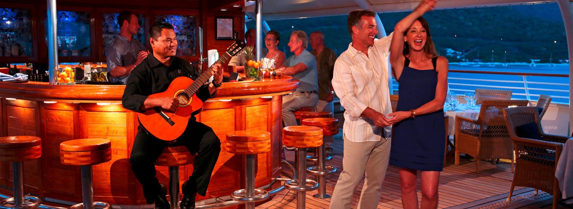 Top of the Yacht Bar auf den Luxusyachten SeaDream I und Sea Dream II